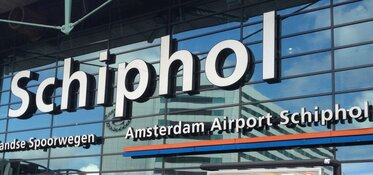 Boeing 737 van SAS wijkt uit naar Schiphol vanwege rookontwikkeling