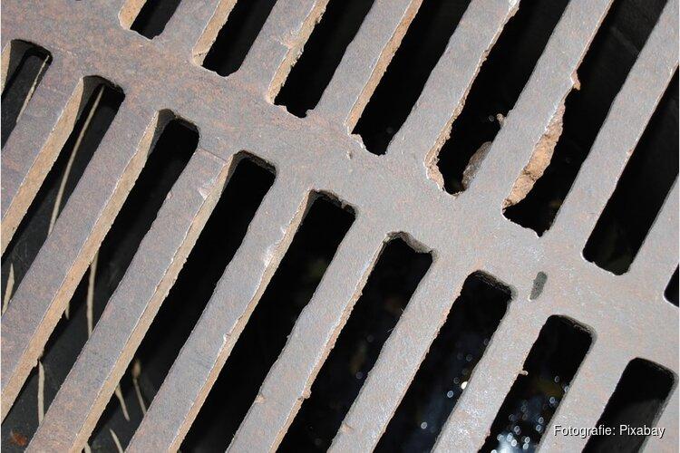 Noord-Hollandse gemeenten waarschuwen voor rioollucht door droogte