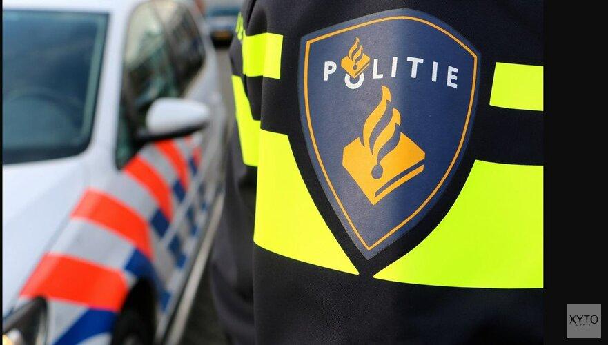 Forensische Opsporing doet onderzoek na vondst lichaam in woning Amsterdam
