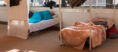 Bed-, bad- en broodopvang naar Derkinderenstraat