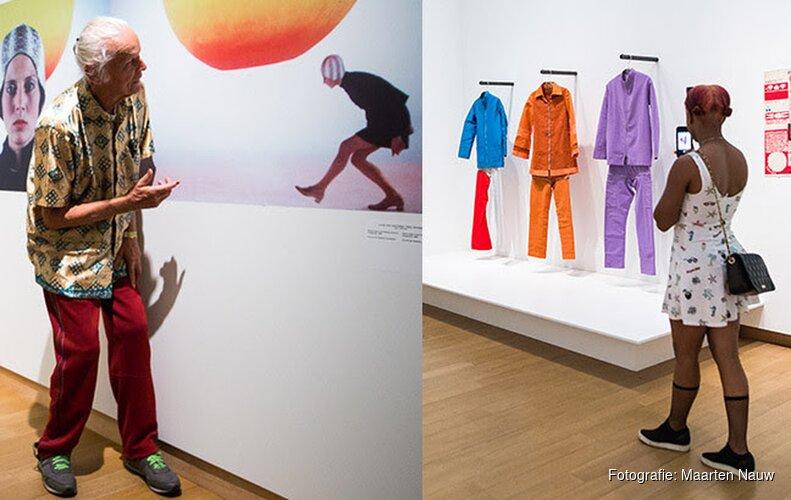 Talkshow 'Speaking of the Sixties', jong en oud delen verhalen bij tentoonstelling Amsterdam Magisch Centrum