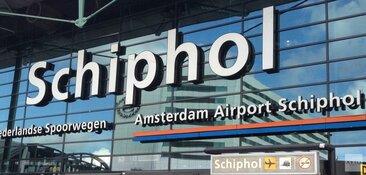 Parkeermedewerker Schiphol bivakkeert in huis van vakantieganger