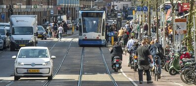 Meer duurzame vuilniswagens of meer parkeerplaatsen? Interactieve game over beleidsmaatregelen Amsterdam