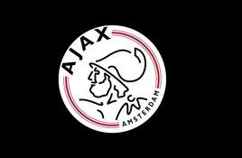 Ajax veel te sterk voor tiental van Feyenoord