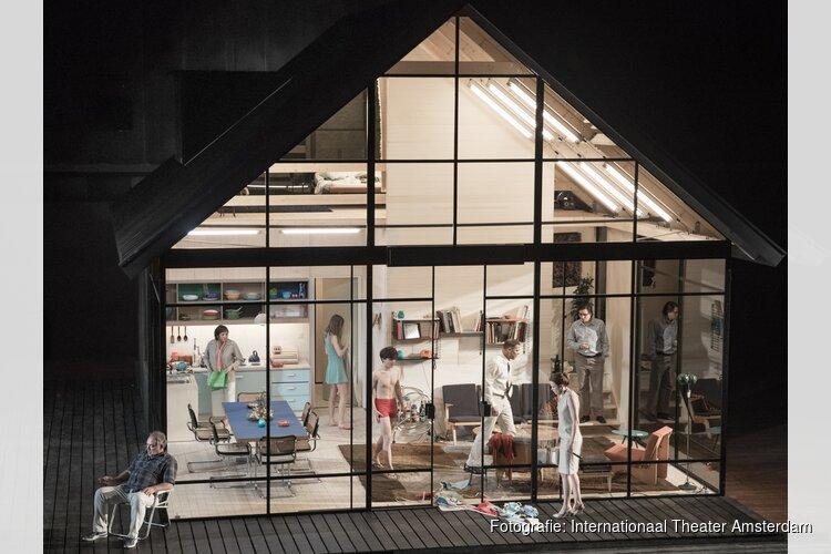 Simon Stones meeslepende familie-Epos Ibsen huis in Amsterdam
