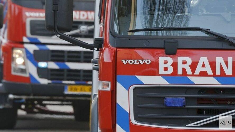 Veel schade aan woonboot in Amsterdam door brand