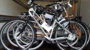 Van wie is 1 van deze 58 fietsen?