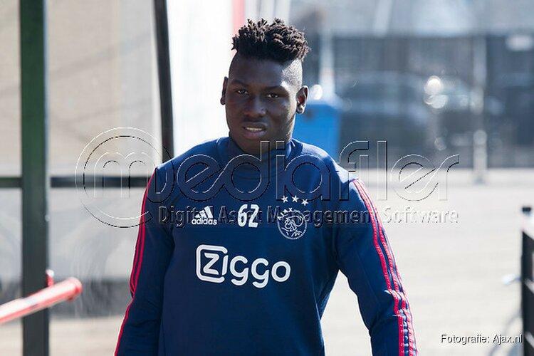 Ajax contracteert Lassina Traoré