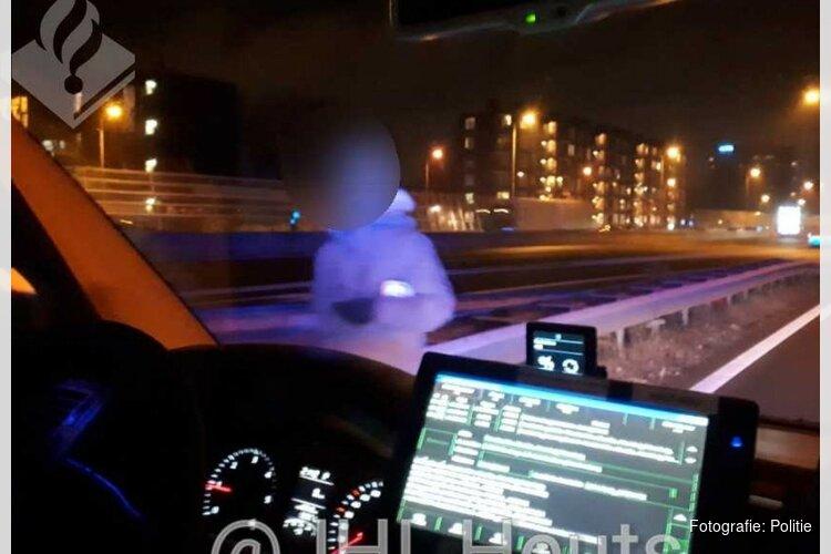 """Politie plukt wandelende Rus van A10: """"Was de weg kwijt"""""""