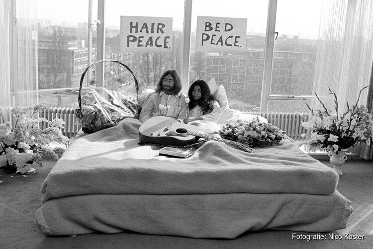 Hilton Amsterdam herdenkt legendarische bed in for peace