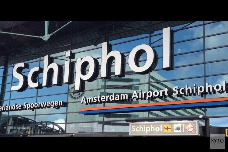 Schipholmedewerkers smokkelden koffers heroïne en cocaïne land in