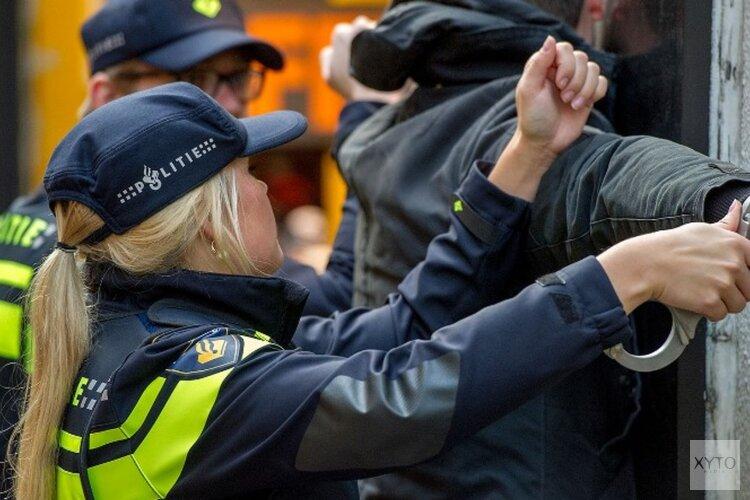 Drietal uit Amsterdam aangehouden na woninginbraak