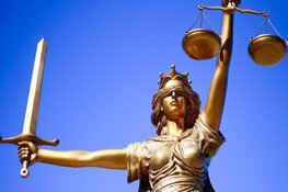 OM eist 12 jaar cel voor man (45) die vriendin wurgde in Amstelveen