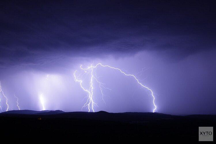 Zomer op zijn Hollands: vanavond code geel om onweer, windstoten en hagel