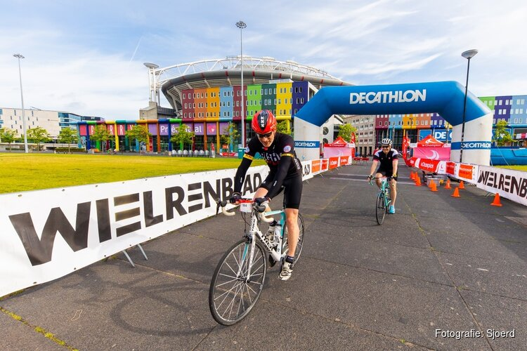 Cycle Tour Amsterdam: honderden fietsers beleven zomerse toertocht