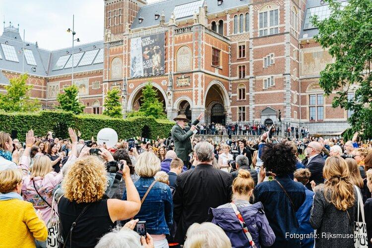 693 kunstenaars openen eigen tentoonstelling in het Rijksmuseum