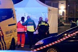 Dode bij schietpartij bij metrostation in Amsterdam-Zuidoost