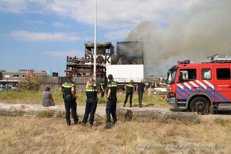Brand bij kunstgalerie in Amsterdam-Noord