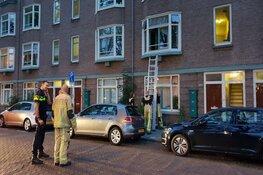 Amsterdamse brandweer haalt vrouw en zeven huisdieren uit woning vol rook