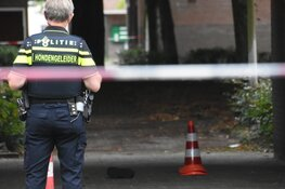 Politie schiet bij aanhoudingen op straat in Amsterdam Zuidoost