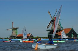 Kinderen kunnen gratis kennismaken met de watersport bij Optimist on Tour bij de Amsterdamse Waterspelen