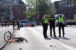 Fietser zwaargewond na aanrijding met taxi