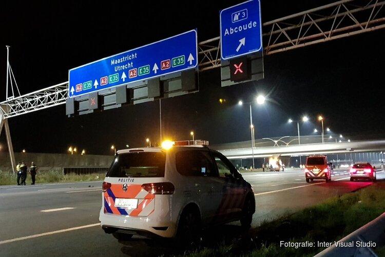 A2 weer open na 'ongeorganiseerde chaos' door ongeluk na politie-achtervolging