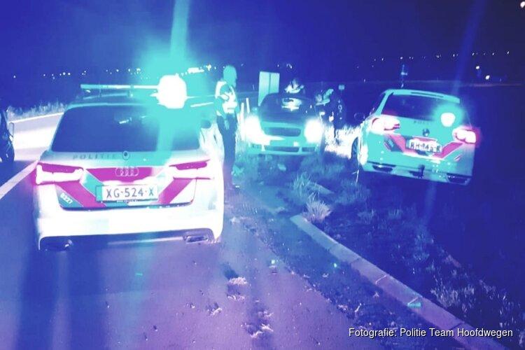 Automobilist met meerdere rijbewijzen op zak opgepakt na achtervolging