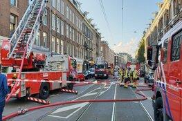 Brand op dak in Amsterdam Oud-Zuid