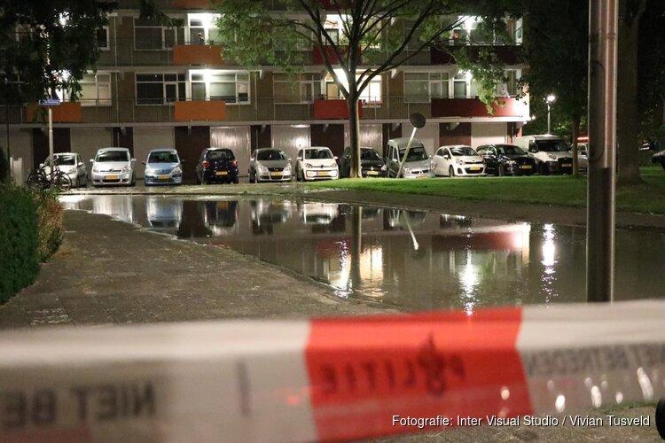 Wateroverlast in Amstelveen: auto's en lantaarnpaal weggezakt