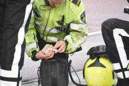 Auto crasht tijdens wilde achtervolging in Westpoort