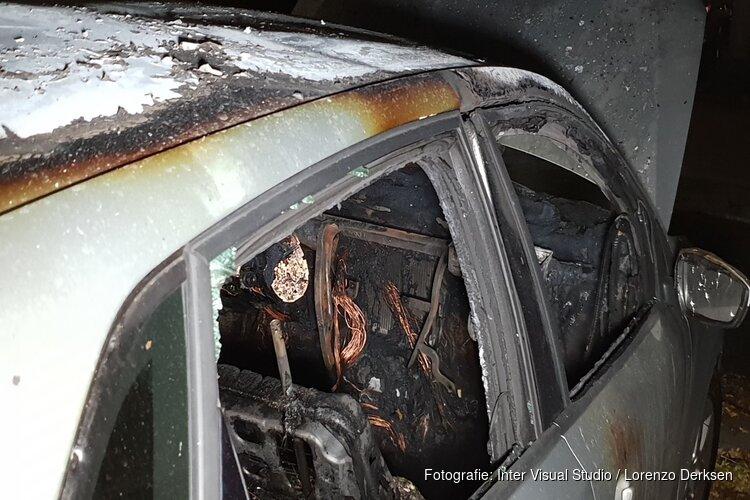 Auto in brand in Amsterdam-Zuidoost