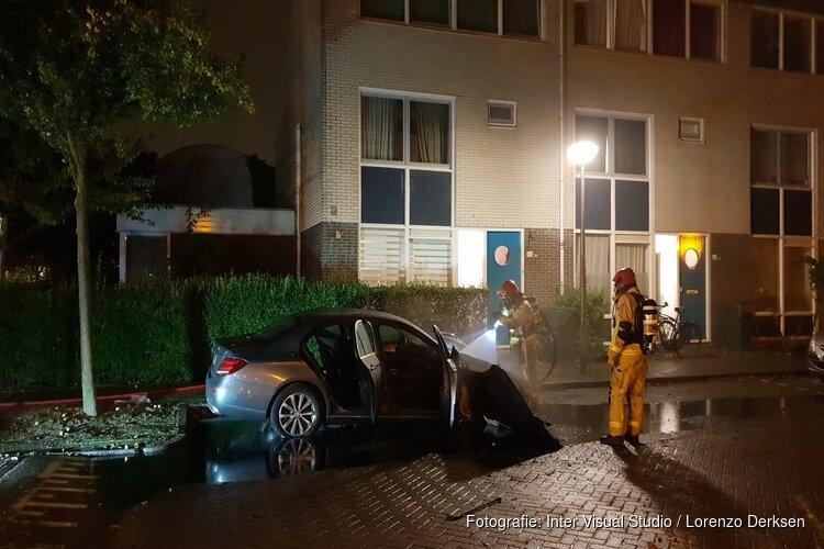 Auto in brand in Diemen