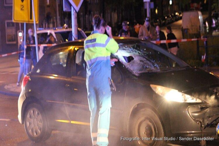 Fietser geschept door auto in Amsterdam-Noord
