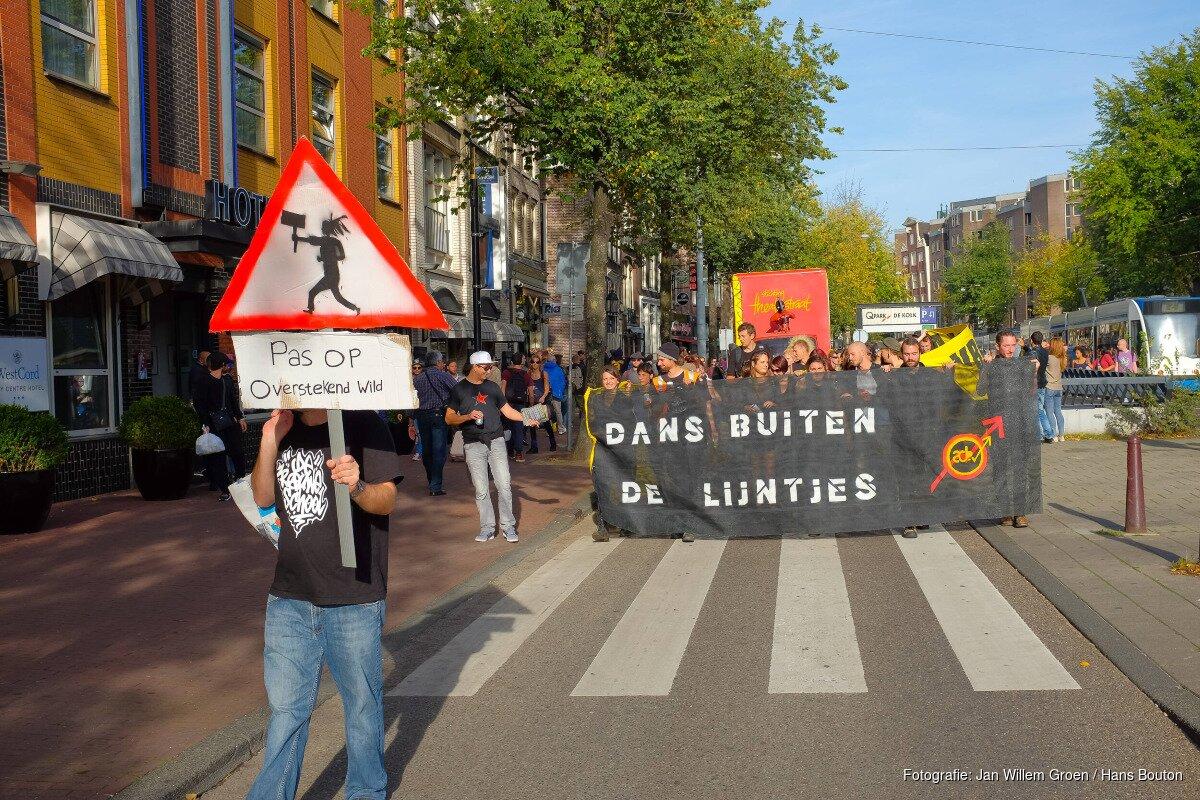 Het hek van de Dam Amsterdam Danst Ergens Voor ADEV 2019