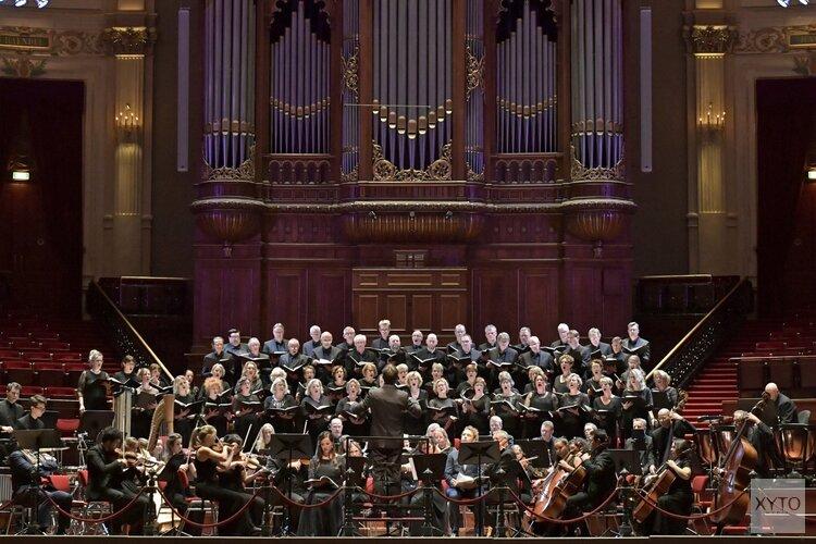 140 zangers en muzikanten bij Nederlandse première Amerikaanse componist