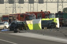 """Drie doden na flink ongeval op de A2 richting Amsterdam: """"Ik zag een grote vlam"""""""