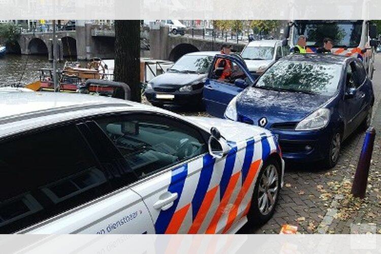 Twee verdachten aangehouden na achtervolging gestolen auto