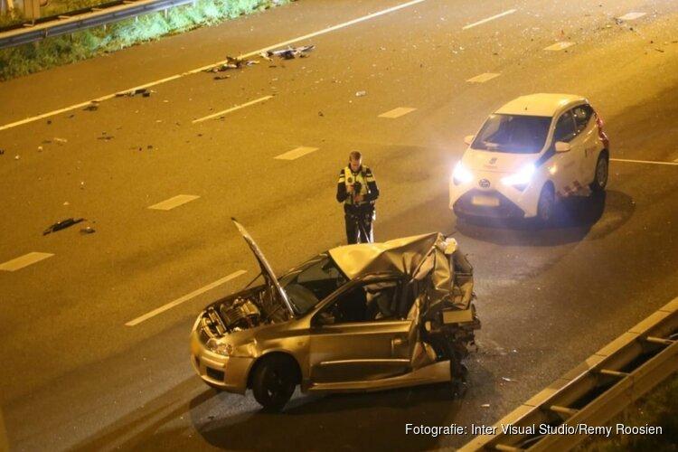 Drie gewonden bij botsing tussen auto's op de A10