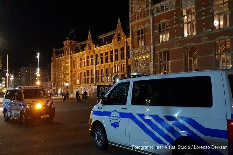 GVB-medewerkster gestoken met kam op Amsterdam Centraal