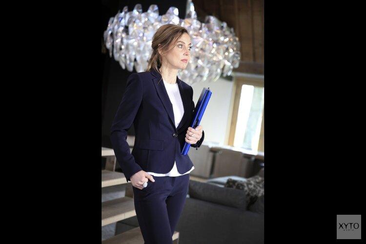 Feestelijke boeklancering 'High class date' van Vera Stupenea bij Hoogstins in Amsterdam