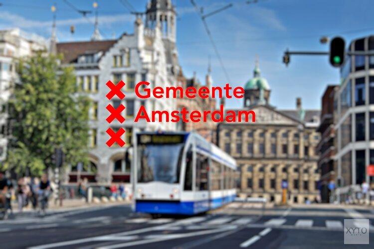 Amsterdamse scholieren voor de klas