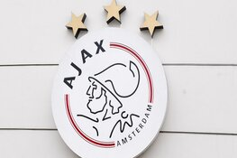 Ajax verlengt contract Edwin van der Sar
