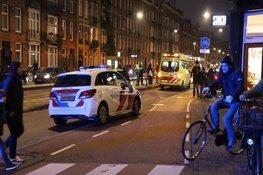 Man mishandeld in Amsterdam, blijft liggen op tramrails