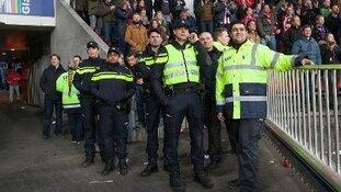 Vuurwerk nog steeds met afstand meest voorkomende incident rond voetbal