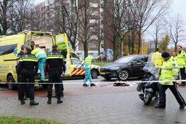 Scooterrijder zwaargewond na botsing in Slotermeer