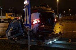 Crash op A10: twee gewonden, vermoedelijk lachgas in het spel