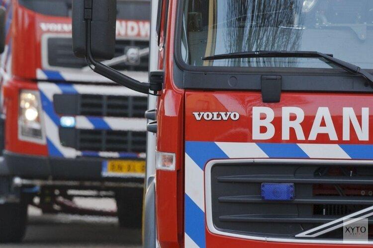 Metershoge vlammen bij brand Ringvaartdijk