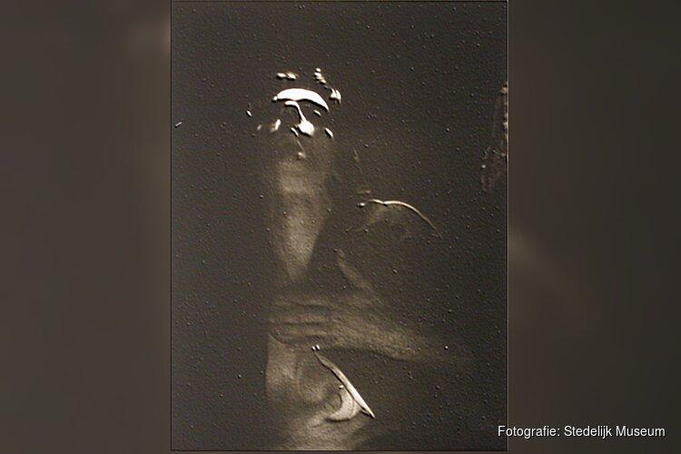 Stedelijk Museum Amsterdam maakt tentoonstelling met Ulay, pionier van de performancekunst en body art