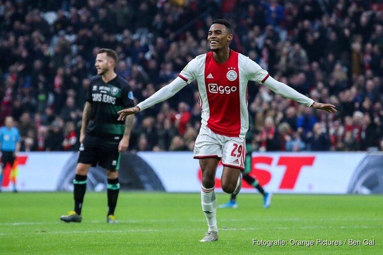 Ajax sluit succesvol jaar af met ruime zege op ADO Den Haag